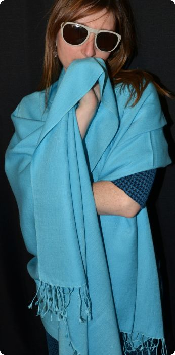 full-size shawl 70 percent pashmina, 30 percent silk, in Capri