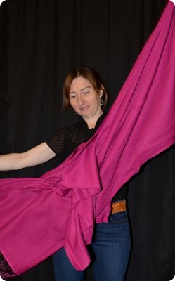 VIS #100 - 70% pashmina/30% silk medium-size shawl, in raspberry