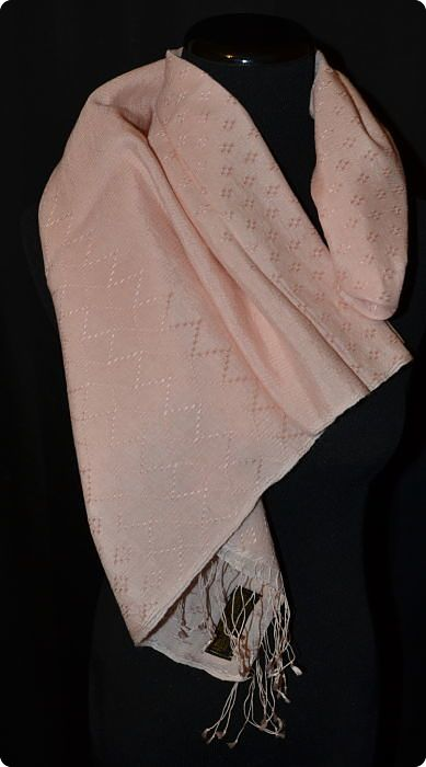 medium-size 70/30 fancy weave shawl, pink